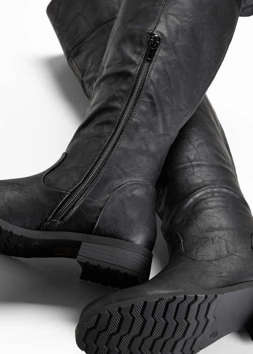 Moderné čižmy nad kolená čierne