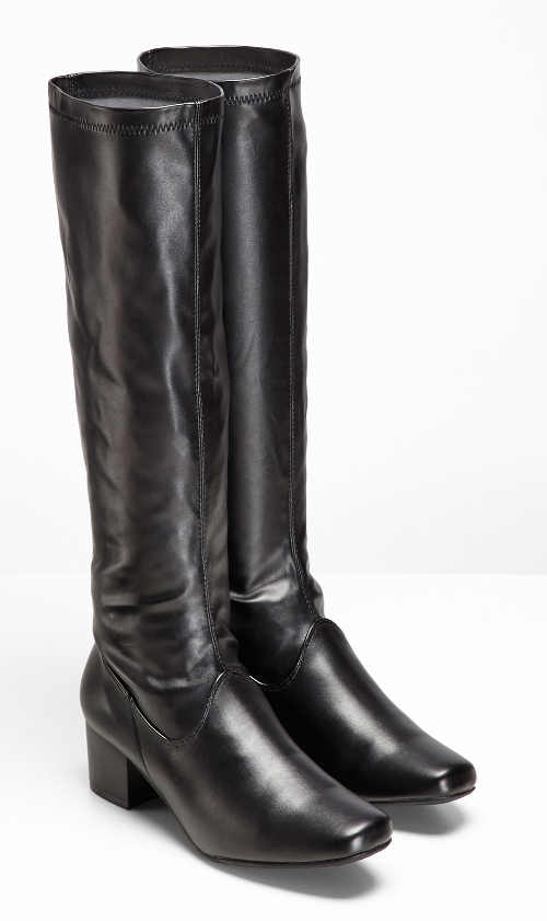 Elegantné mierne lesklé čierne topánky