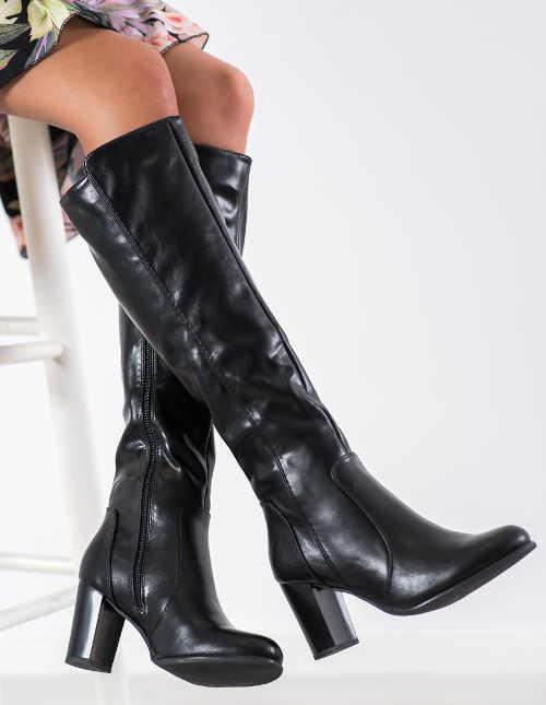 Lacné čierne zimné topánky na vysokom príspevku