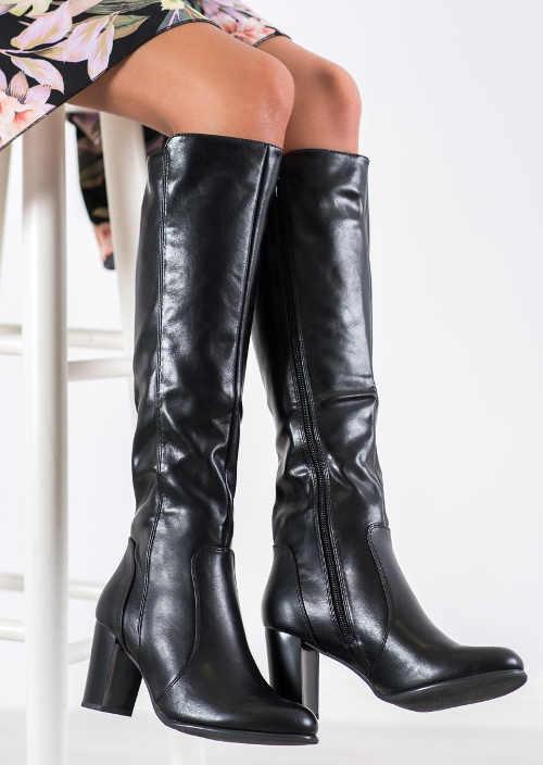 Lesklé čierne vysoké topánky zľava