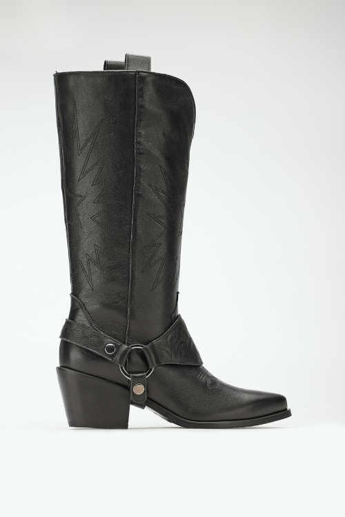 Čierne kožené topánky s odnímateľnou dekoráciou
