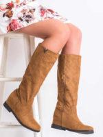 Moderné dámske semišové čižmy na nízkom podpätku