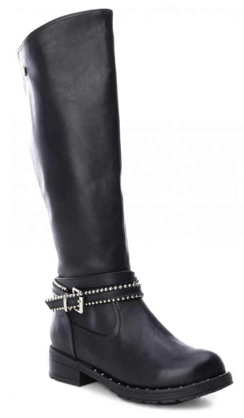 Čierne dámske vysoké topánky s prackou nad členkom