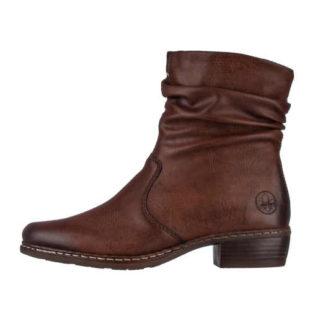 Nízke kožené topánky v modernom vzhľade
